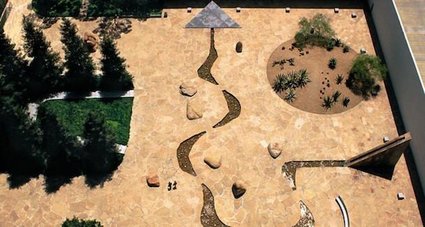 California Scenario Noguchi Gardens