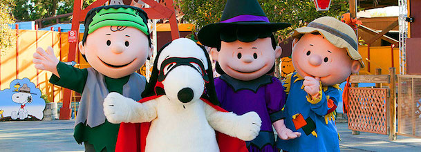 Peanuts gang dressed for Halloween
